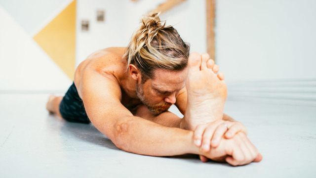 "Mark Robberds's ""Ashtanga Yoga Deepening"" Online Video Workouts on Cody"