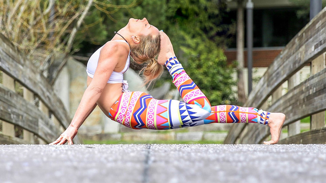 "Robin Martin's ""Detoxifying Vinyasa Flow"" Online Video Workouts on Alo Moves"