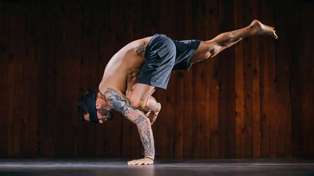 "Calvin Corzine's ""Sensory Shift"" Online Video Workouts on Alo Moves"