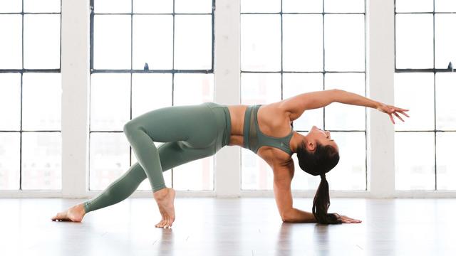 "Briohny Smyth's ""Yoga Tone Up"" Online Video Workouts on Alo Moves"