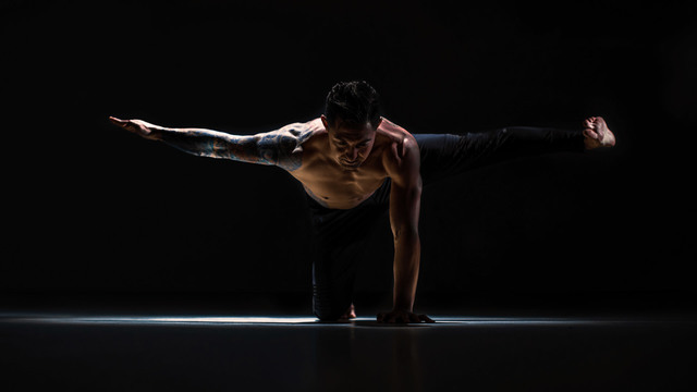 "Dylan Werner's ""Beginner True Strength"" Online Video Workouts on Alo Moves"