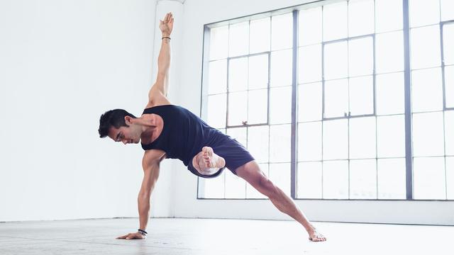 "Hiro Landazuri's ""Full Body Core Flow"" Online Video Workouts on Alo Moves"