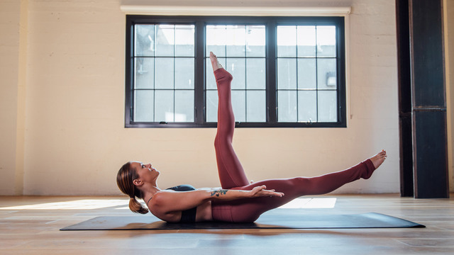 """Adrienne Kimberley's """"The Barre Remedy"""" Online Video Workouts on Alo Moves"""