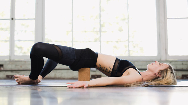 "Ashley Galvin's ""Yin/Yang Stress Relief"" Online Video Workouts on Alo Moves"