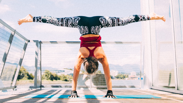 """Ana Forrest's """"Freedom From Struggle"""" Online Video Workouts on Alo Moves"""