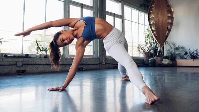 "Briohny Smyth's ""Power Vinyasa"" Online Video Workouts on Alo Moves"
