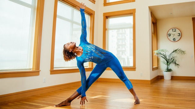 "Koya Webb's ""Morning Yoga Kickstart"" Online Video Workouts on Alo Moves"