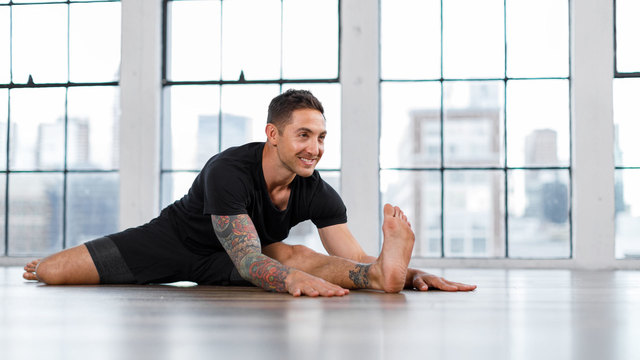 "Dylan Werner's ""Beginner Flexibility"" Online Video Workouts on Alo Moves"
