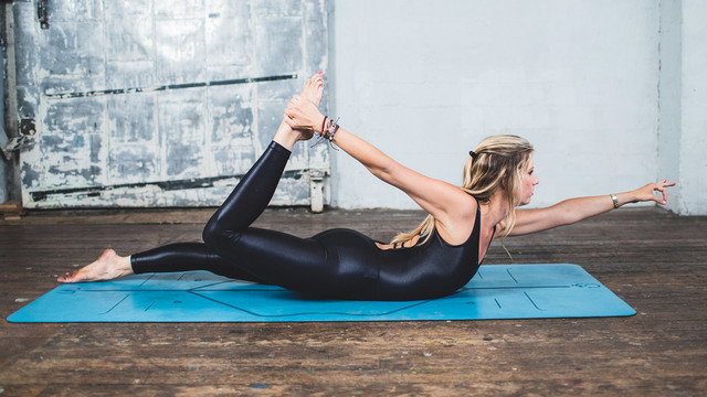 "Ashley Kanter's ""Pilates Slimdown II"" Online Video Workouts on Alo Moves"