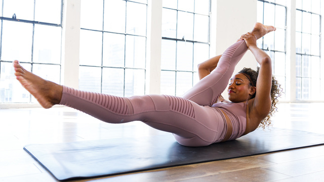 "Tela Anderson's ""Pilates Form"" Online Video Workouts on Alo Moves"