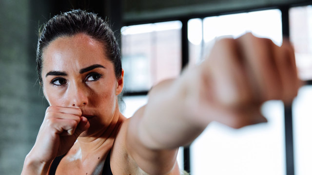 "Jade Alectra's ""The Knockout"" Online Video Workouts on Alo Moves"