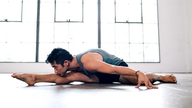 "Hiro Landazuri's ""Smarter Hips"" Online Video Workouts on Alo Moves"