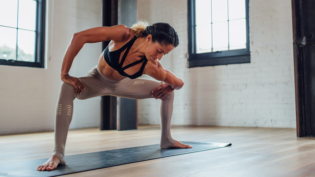 "Claudine Lafond's ""Twist: Lower Back and Spine"" Online Video Workouts on Alo Moves"