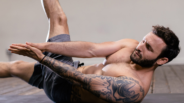 """Calvin Corzine's """"7-Day Core Ignite"""" Online Video Workouts on Alo Moves"""