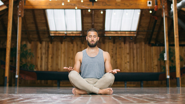 "Patrick Beach's ""Weekend Yoga Reset"" Online Video Workouts on Cody"