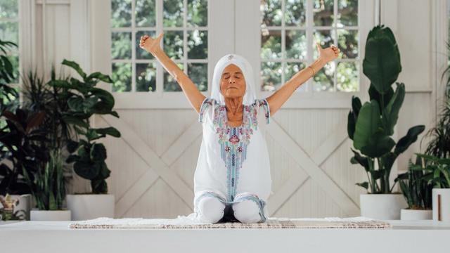 "Gurmukh Kaur Khalsa's ""Kundalini Rising"" Online Video Workouts on Alo Moves"
