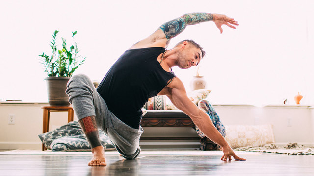 "Dylan Werner's ""Desk Therapy"" Online Video Workouts on Alo Moves"