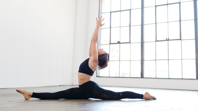 "Adell Bridges's ""Flowing Into Splits"" Online Video Workouts on Alo Moves"