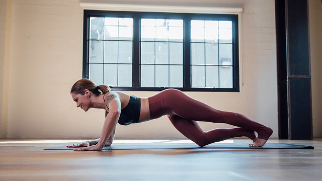 "Adrienne Kimberley's ""Purifying Barre Burn"" Online Video Workouts on Alo Moves"